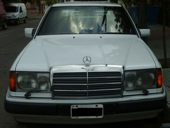 Car Mercedes Benz 300D Turbo diesel