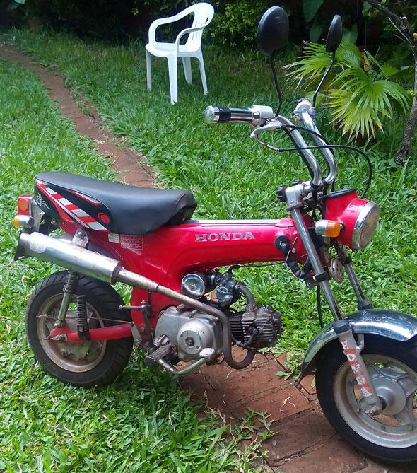 Auto Honda Dax ST70
