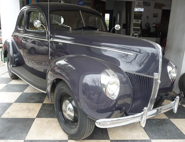 Car Ford Coupé 1940
