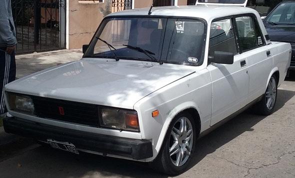 Auto Lada Laika