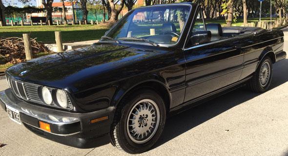 Car BMW 325