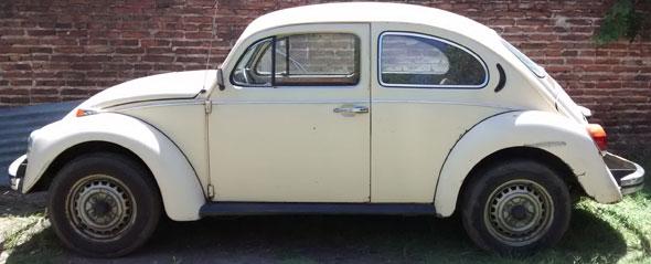 Car Volkswagen Escarabajo 1981