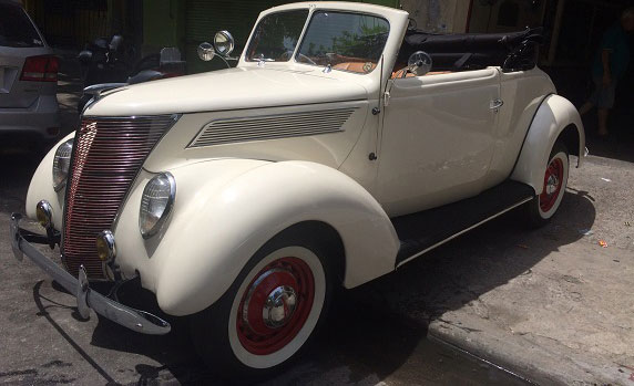 Car Ford Coup� Convertible