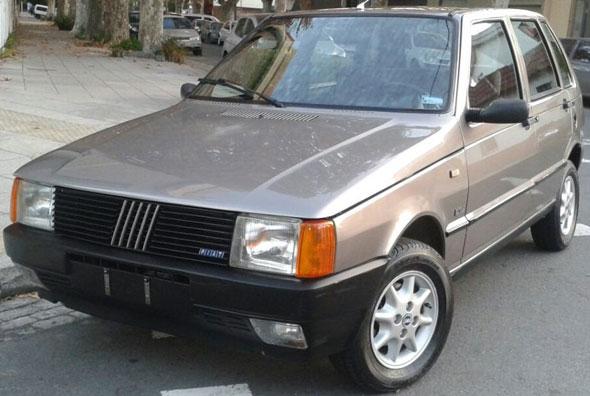 Car Fiat Uno SCV