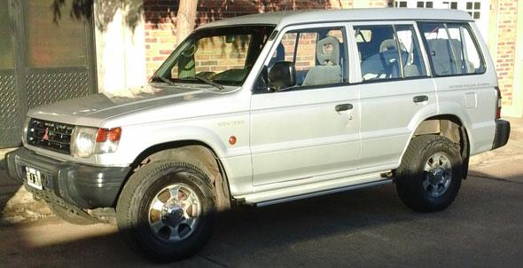 Auto Mitsubishi Montero 2.5