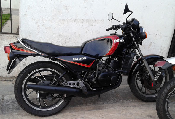 Moto Yamaha RD 350 LC