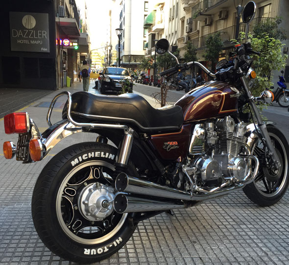 Motorcycle Honda CB 900 Custom