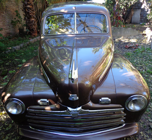 Auto Ford Coup� 1946