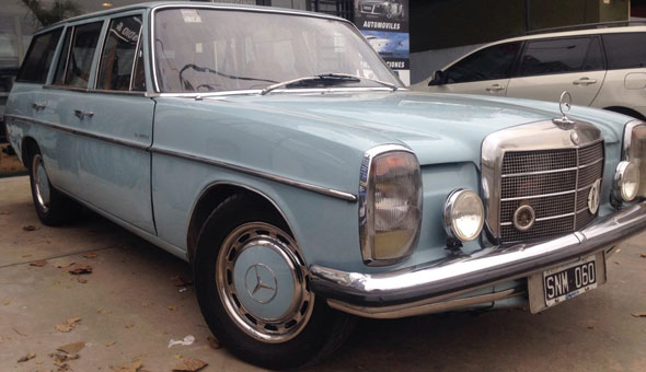 Auto Mercedes  Benz 1972 220 D Rural Full