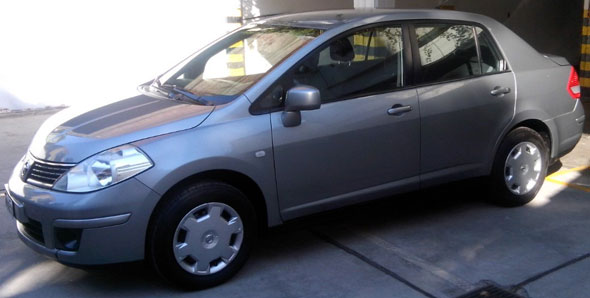 Auto Nissan Tiida Visia 1.8