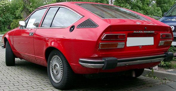 Auto Alfa Romeo GT 1600