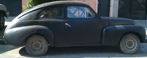Auto Volvo 444