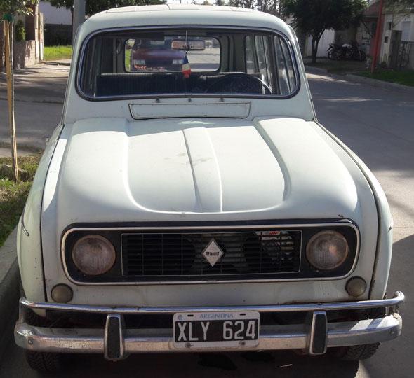 Car Renault Renoleta R4L