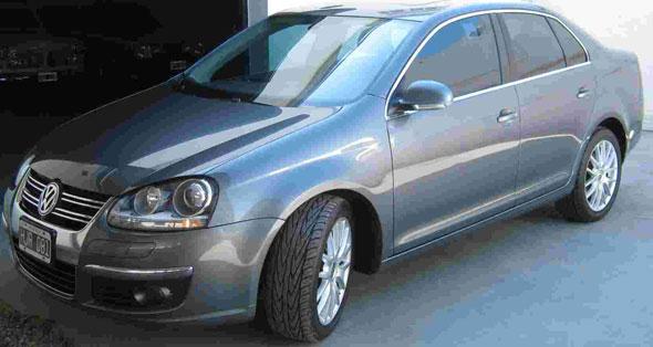 Auto Volkswagen Vento 2.0 TDI Advance MT (110cv) (L11)