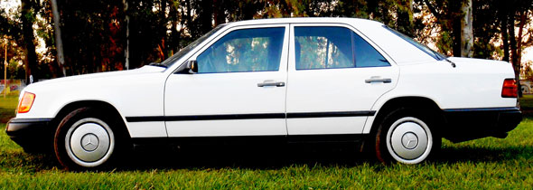 Auto Mercedes Benz 200E