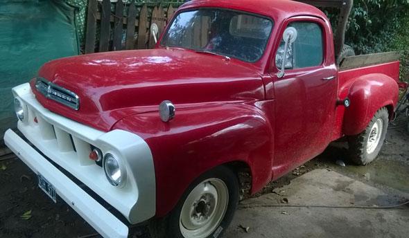 Auto Studebaker Transtar V8
