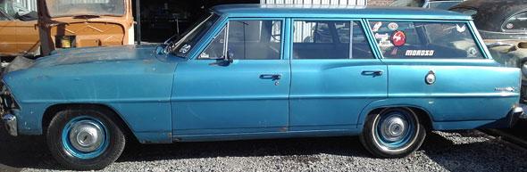Auto Chevrolet Nova