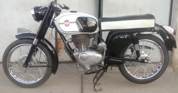 Motorcycle Gilera Extra 200