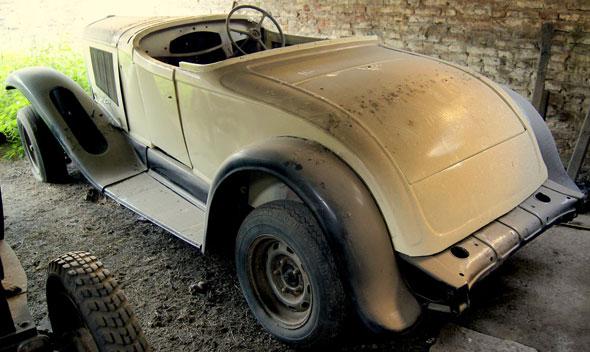 Car Chrysler 1929