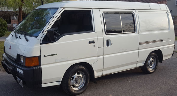 Car Mitsubishi L300 Panel Van