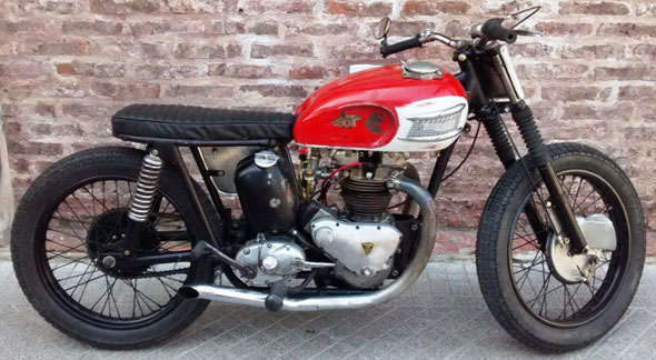 Motorcycle Triumph T100
