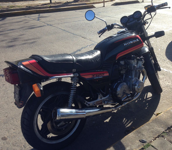 Motorcycle Honda CB750F Super Sport