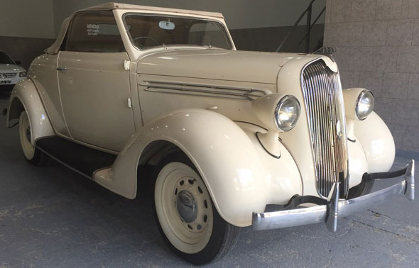 Car Plymouth 1935 Roadster