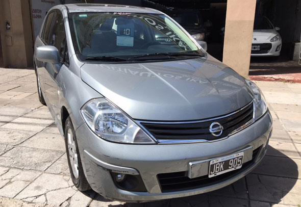 Car Nissan Tiida Tekna 1.8N Full