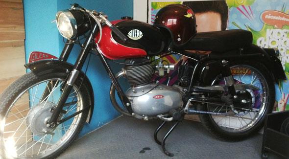 Motorcycle Gilera 150 Super Sport