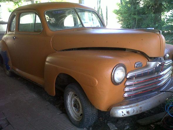 Auto Ford Coupé 1956