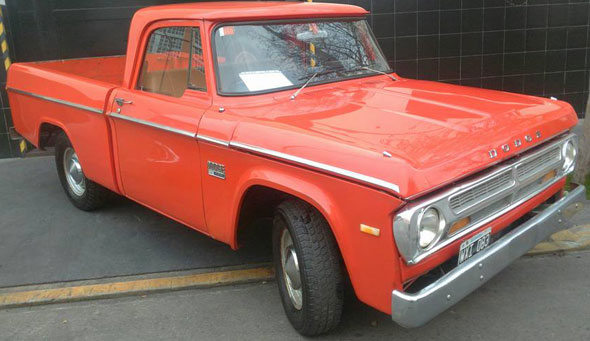 Auto Dodge D100 Pick Up