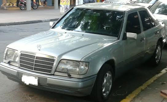 Auto Mercedes Benz E 250 Turbo Diesel