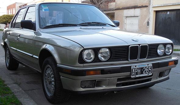 Car BMW 325i