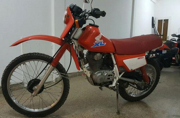 Motorcycle Honda XL 185 S