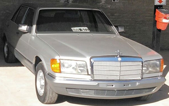Car Mercedes Benz 380 SEL V8