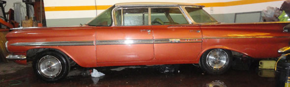 Car Chevrolet Impala Hard Top 1959