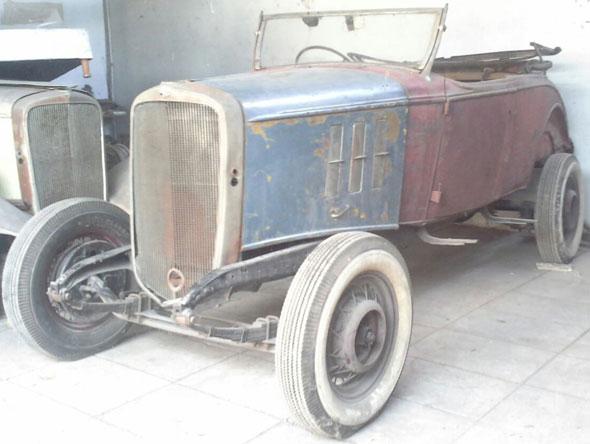 Car Chevrolet 1933 Roadster