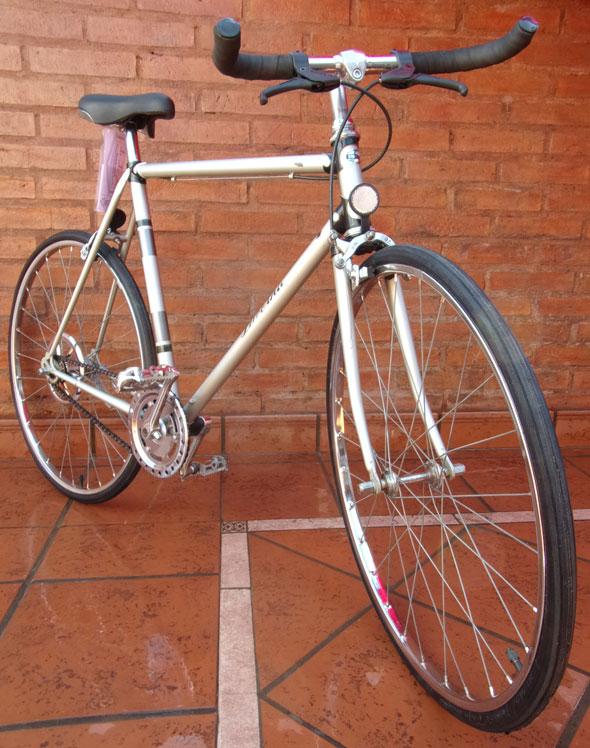 Bike 24 Lucerna Estilo Fixie