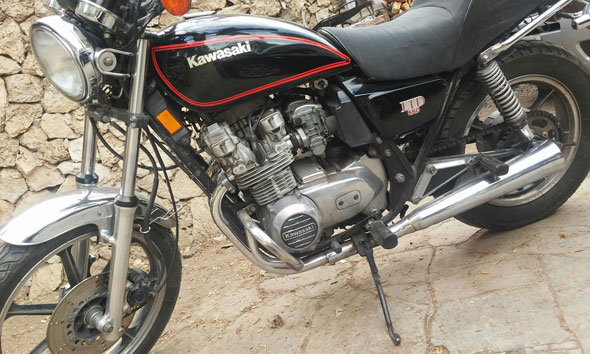 Motorcycle Kawasaki LTD 550