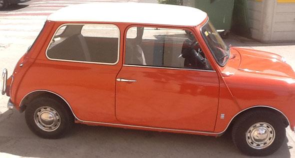 Auto Austin Mini 1972 De Luxe