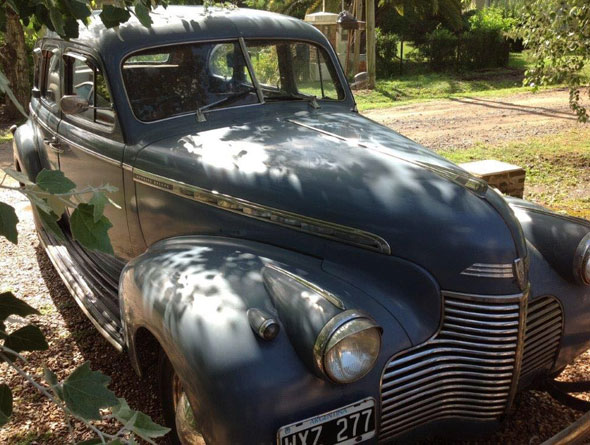Car Chevrolet Sedan 1940 Deluxe
