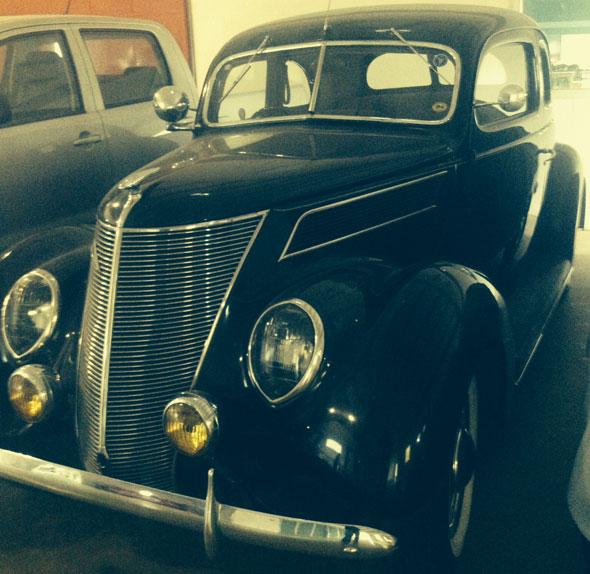 Car Ford Coupé 1937