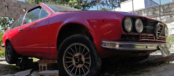 Car Alfa Romeo Alfetta GTV