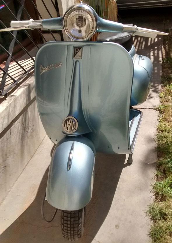 Motorcycle Vespa VBB1