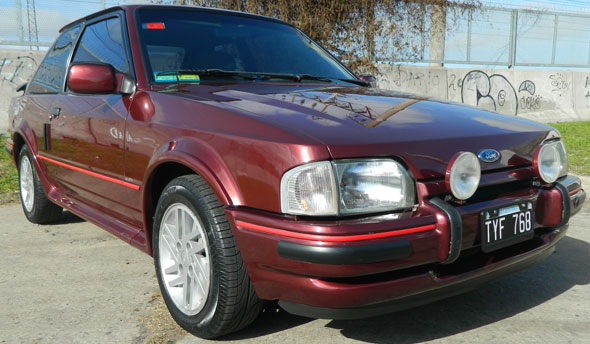 Auto Ford Escort