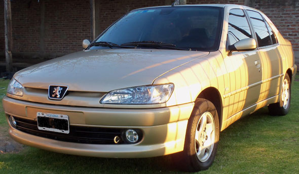 Car Peugeot 306