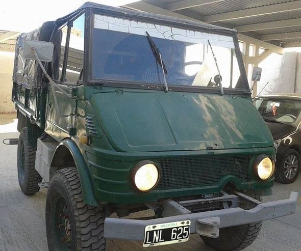 Car Mercedes Benz Unimog 421 1979