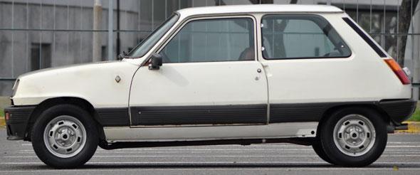 Car Renault 5