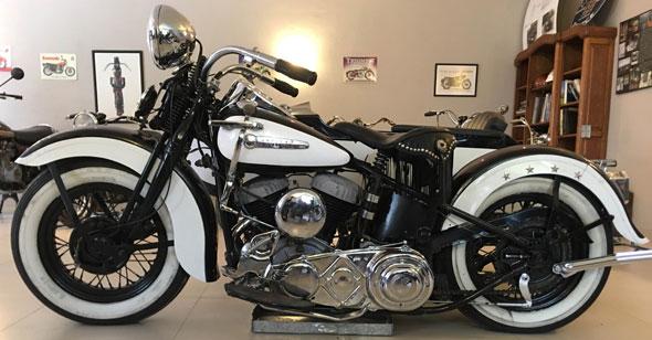 Moto Harley Davidson 1947