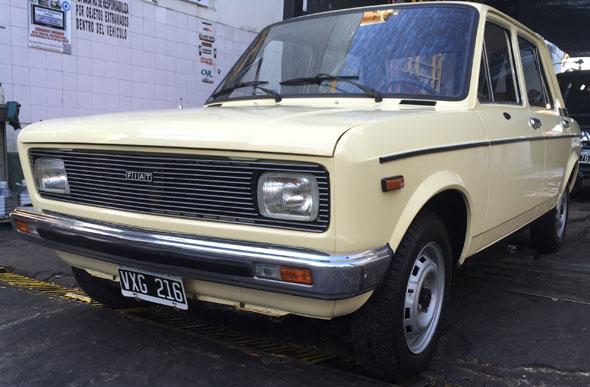 Car Fiat 128 CL1300